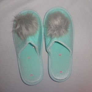 Victoria's Secret M Slippers VS Pom Pom Mint Green